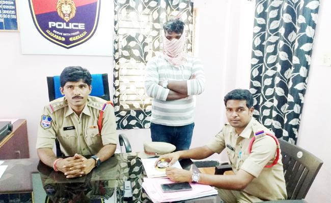 Father Killed Girl Child In Nalgonda - Sakshi
