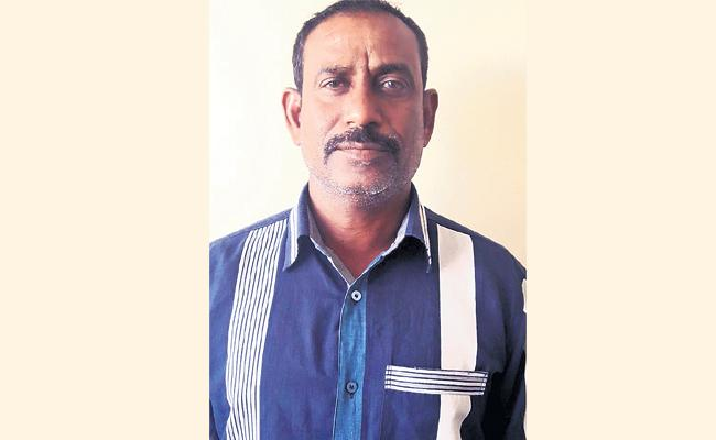 Uncle Knife Attack On Son In law - Sakshi