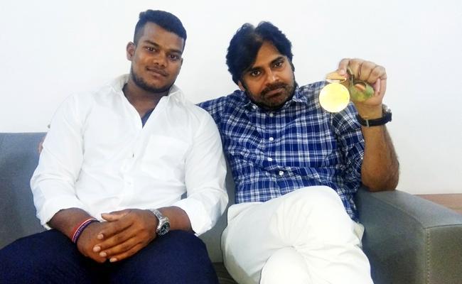 Pawan Kalyan announce 10 Lakhs For Gold Medalist Venkat Rahul - Sakshi