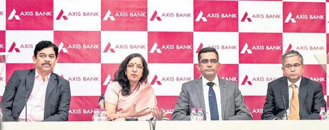 Axis Bank posts first-ever quarterly loss at Rs 2188 crore, provisions - Sakshi