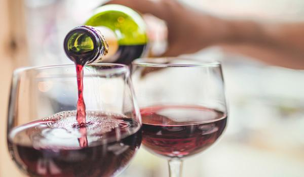 Doctors Says Red Wine Could Be the Worst Drink For Your Skin - Sakshi