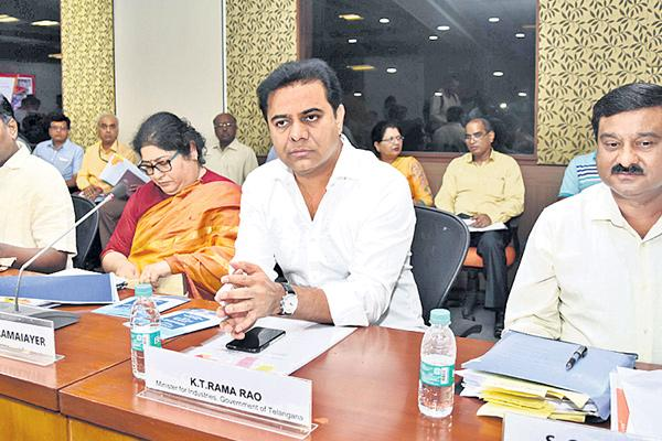 Keep Insurance for Weavers - Sakshi