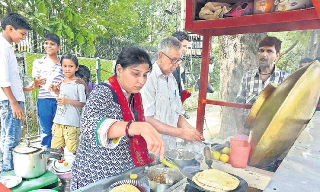 How much food is needed on the carts? - Sakshi