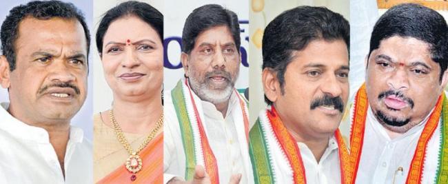 Telangana Congress Praja Chaitanya Yatra Live From Palakurthy - Sakshi
