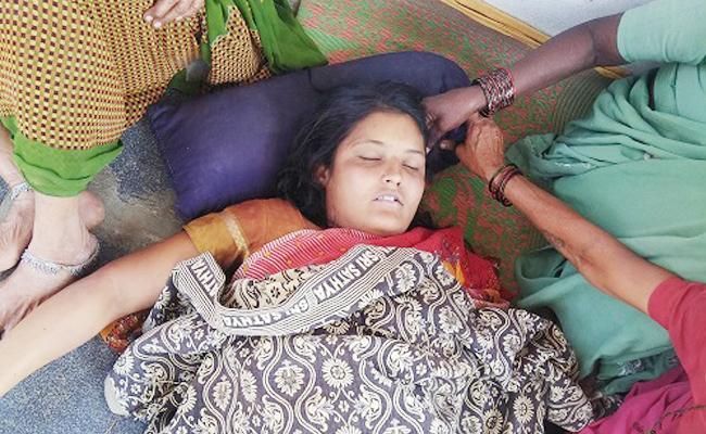 Daughter Died In Parents Stir - Sakshi