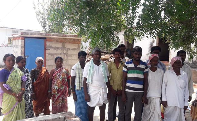 Dalits are social boycott in Nizamabad - Sakshi