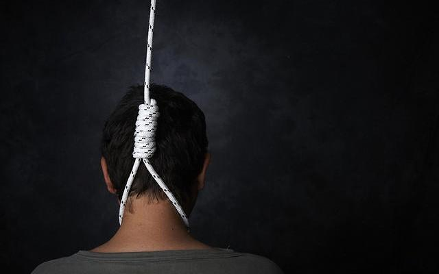 Unemployed Committed To Suicide In Suryapet - Sakshi