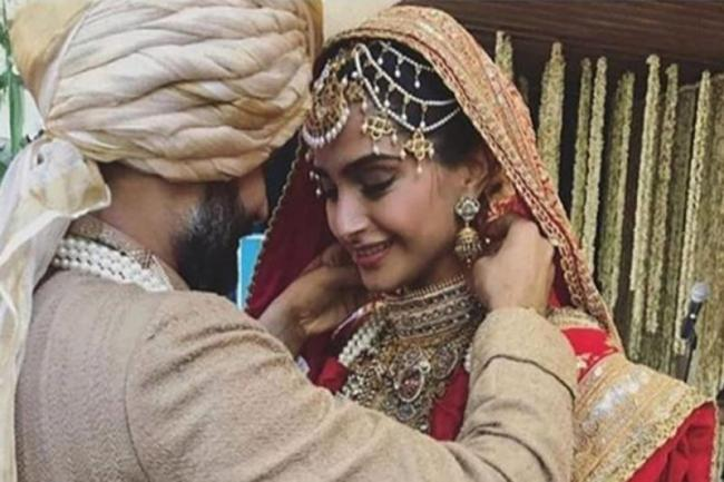 Sonam Kapoor Post Heart Touching Message About Her Parents In Instagram - Sakshi