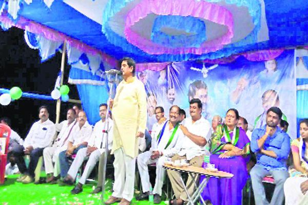 Dharmana Prasada Rao fires on Chandrababu Government - Sakshi