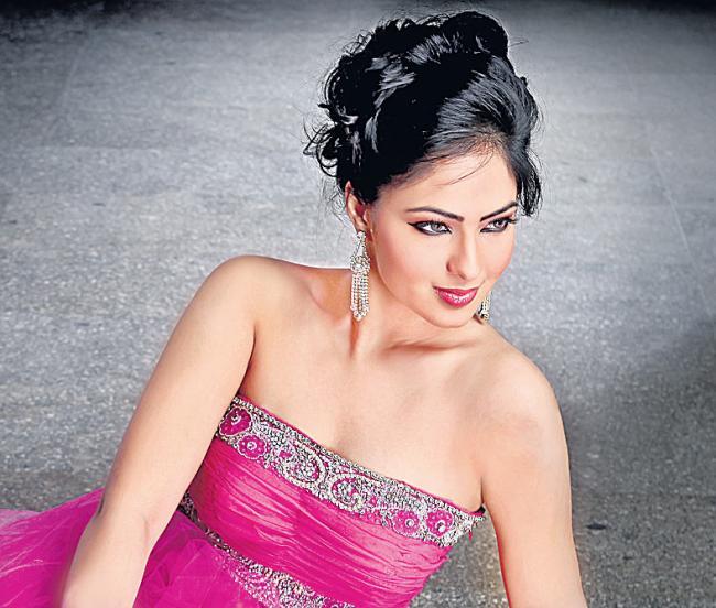 Nikesha denies rumours of wedding with Prabhudeva - Sakshi
