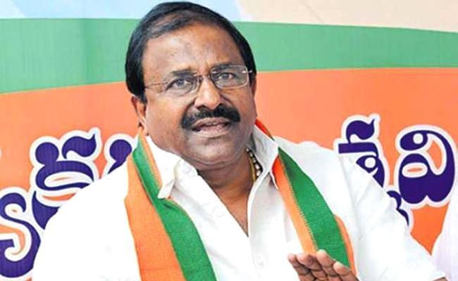 Bjp Leader Somu Veerraju Slams Chandrababu Naidu - Sakshi