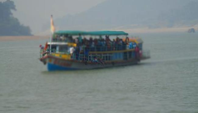 Another Boat Accident In Godavari River At Devipatnam - Sakshi