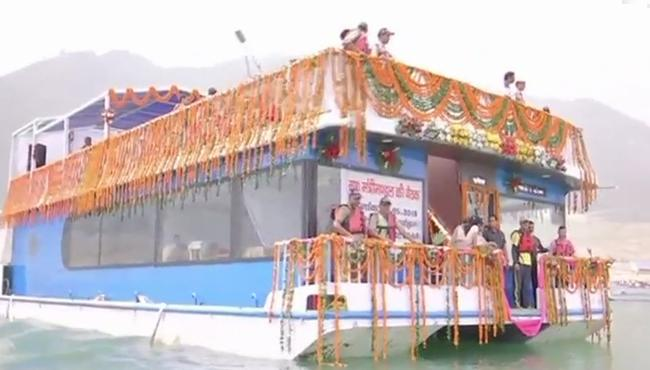 Uttarakhand Cabinet Held Meeting In A Floating Boat - Sakshi