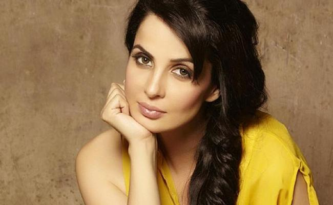 Don't Give Birth Says Rukhsar Rehman - Sakshi