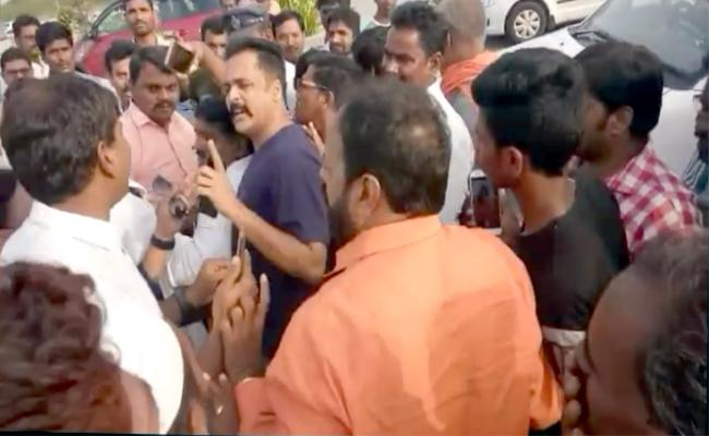 BJP Supporters Tries To Attck On Actor Sivaji - Sakshi