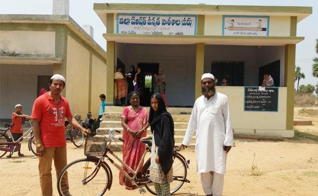 Urdoo Schools Devoloped In Tenth Class Pass Percentage - Sakshi