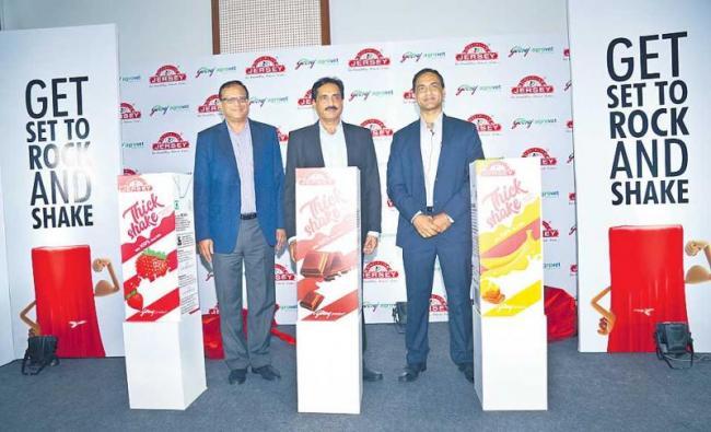 Creamline Dairy plans Rs 400 crore spend - Sakshi