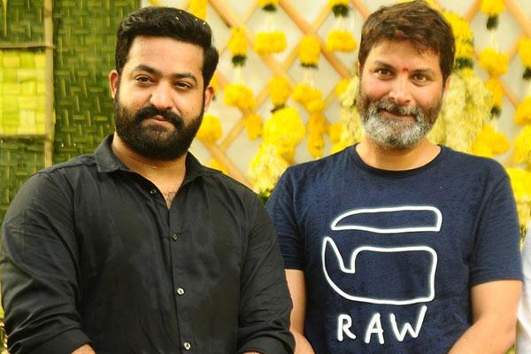 jr-ntrt-trivikram-srinivas-aravindha-sametha-first
