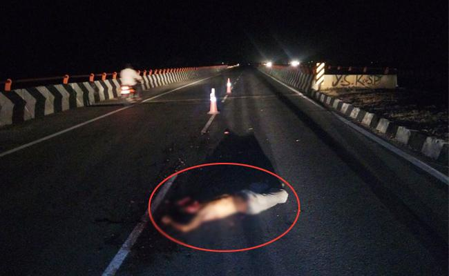 Man Suspicious death On YSR Kadapa National Highway - Sakshi