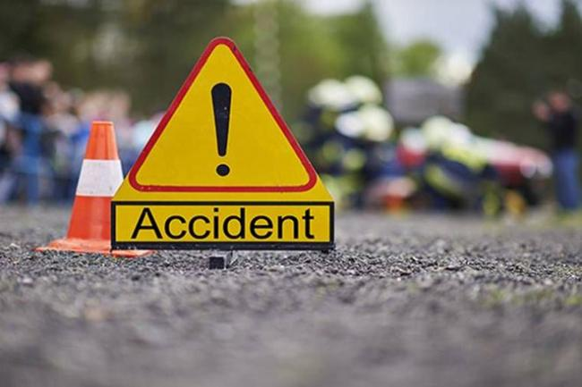 Passengers Injured In Road Accident At Nellore District - Sakshi