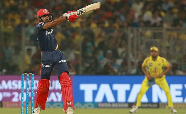 Delhi set target of 163 runs against CSK - Sakshi