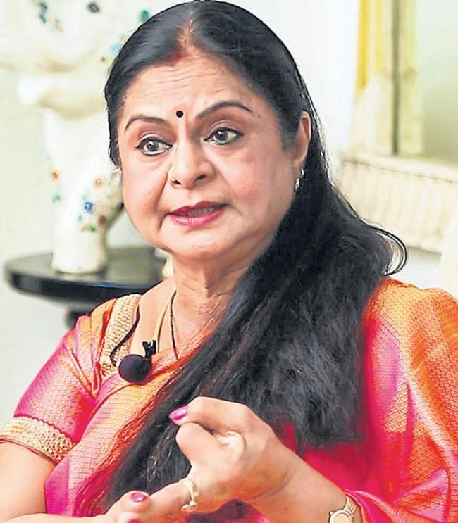 Kamala Selvaraj fires on Mahanati Team - Sakshi