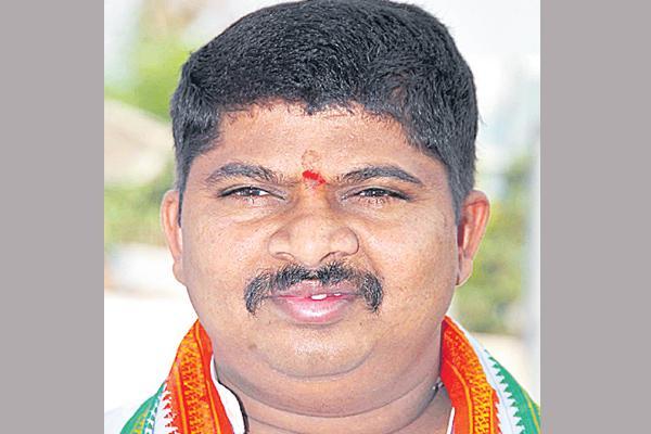 Ponnam prabhakar commented over kcr - Sakshi