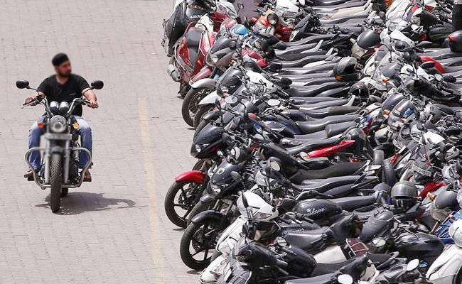 Special Story On Two Wheeler Maintenance In Summer - Sakshi