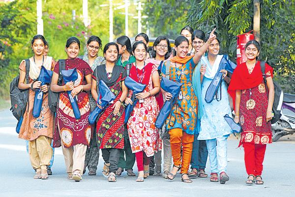Schedule of Engineering Entries was Issued - Sakshi