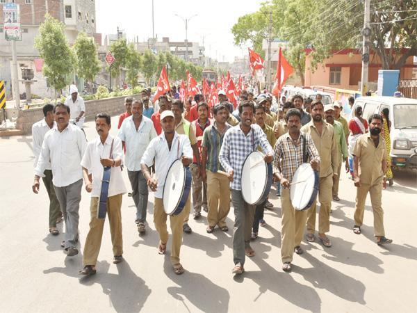 Karimnagar District Wied May Day Celebrations - Sakshi