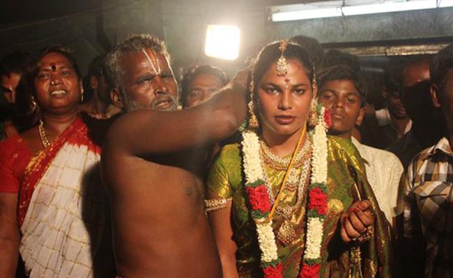 Miss Koovagam highlights celebrations In Tamilnadu - Sakshi
