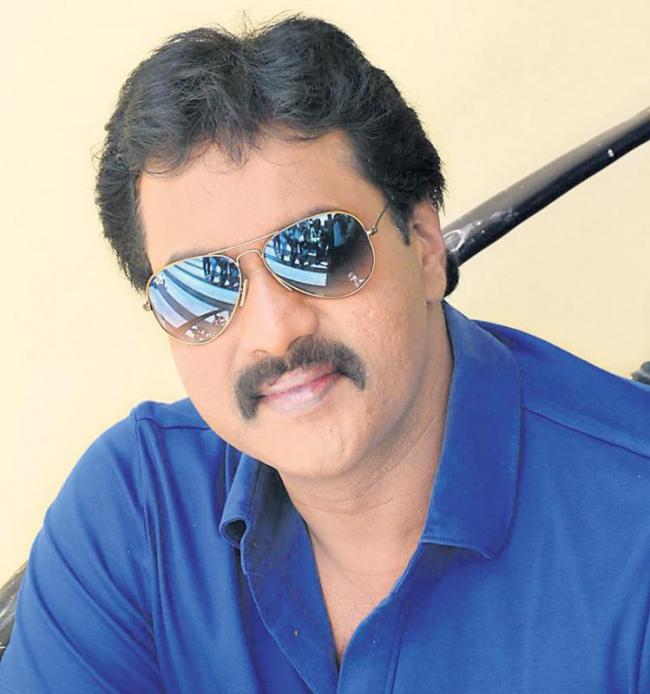 Sunil all set to join Sharwanand Padi Padi Leche Manasu - Sakshi