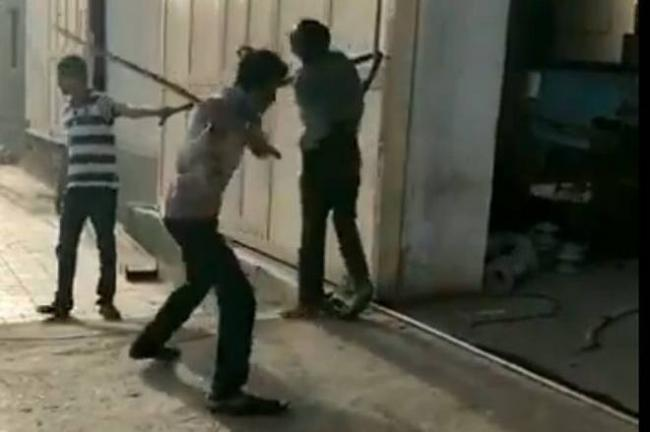 Dalit man beaten to death in Rajkot - Sakshi