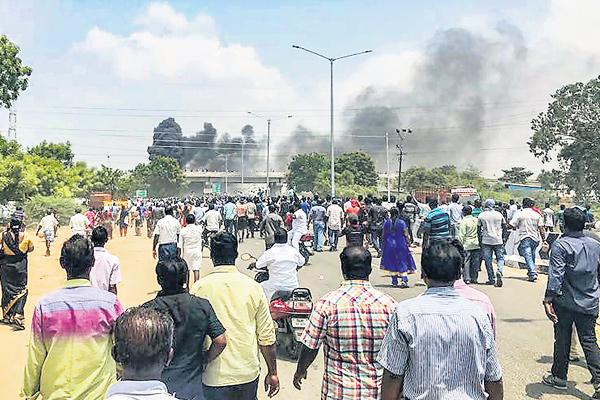 11 Killed in Police Firing During Violent Protests Against Sterlite in TN - Sakshi