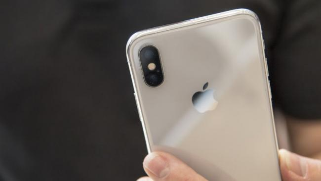 iPhone X Dual Camera Glass Cracks Easily, Some Users Report - Sakshi