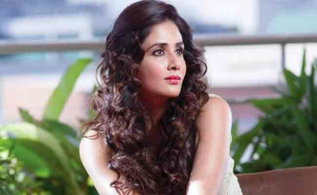 Parul Yadav Complaints to Police on Cab Driver - Sakshi