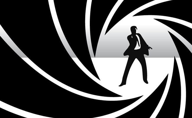 Daniel Craig Charged 450 Crores for His Last Bond Movie - Sakshi