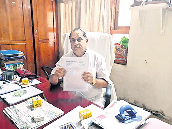 Mudragada Padmanabham Fires on CM Chandrababu - Sakshi