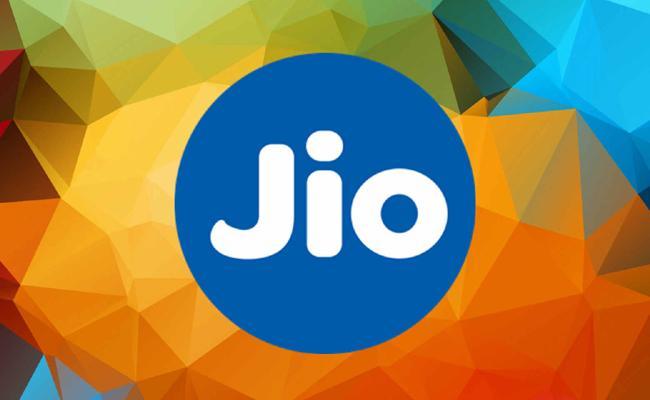 JIO Launcher JIO INTERACT, Live Video Calling With Amitabh Bachan - Sakshi