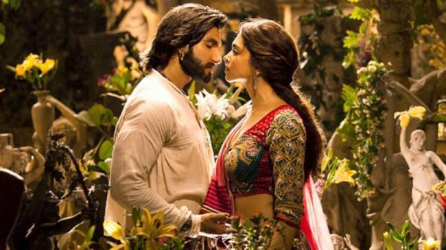 Ranveer Singh And Deepika Padukone Marriage Will Be In November - Sakshi