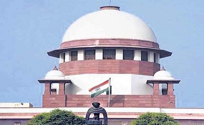 Venkaiah Naidu On Supreme Court Judge Impeachment Issue - Sakshi
