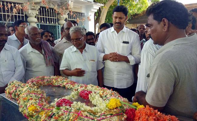 Avinash Reddy Attends Ysrcp Srinivas Reddy Crimiations - Sakshi