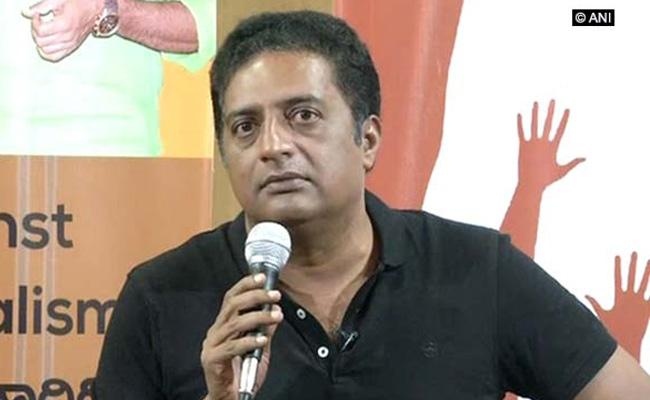 Prakash Raj Not Getting Bollywood Offers - Sakshi