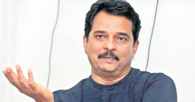 Director Jayaraj asks boycotting winners to return award money - Sakshi