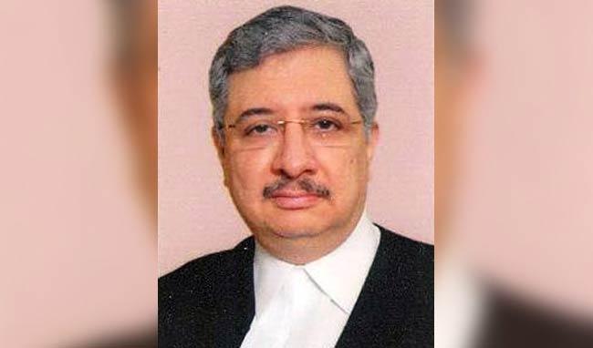 Bombay HC judge hears pleas till 3:30 am to clear backlogs - Sakshi