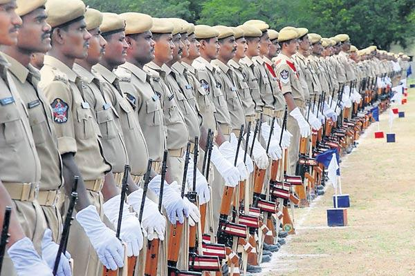 Police Department is angry over corruption programs - Sakshi
