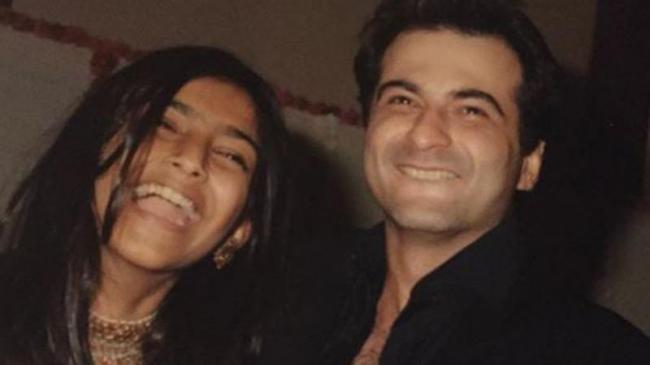 Sanjay Kapoors Heartfelt Post For Sonam Kapoor Will Melt Your Heart - Sakshi