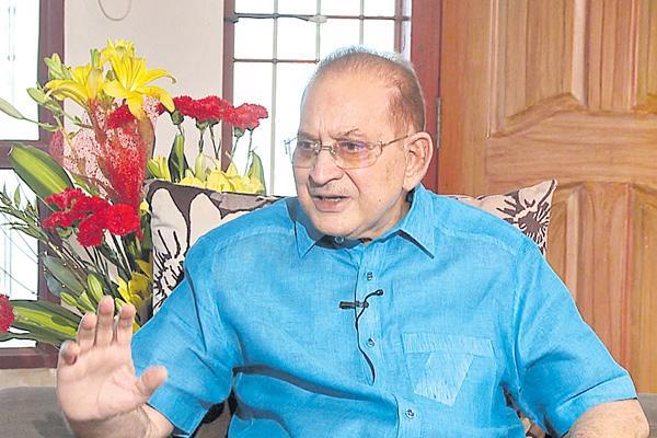 Jagan Will Be CM: Superstar Krishna - Sakshi