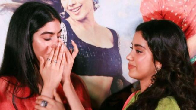 Dhadak trailer launch: Khushi Kapoor Breaks Down - Sakshi