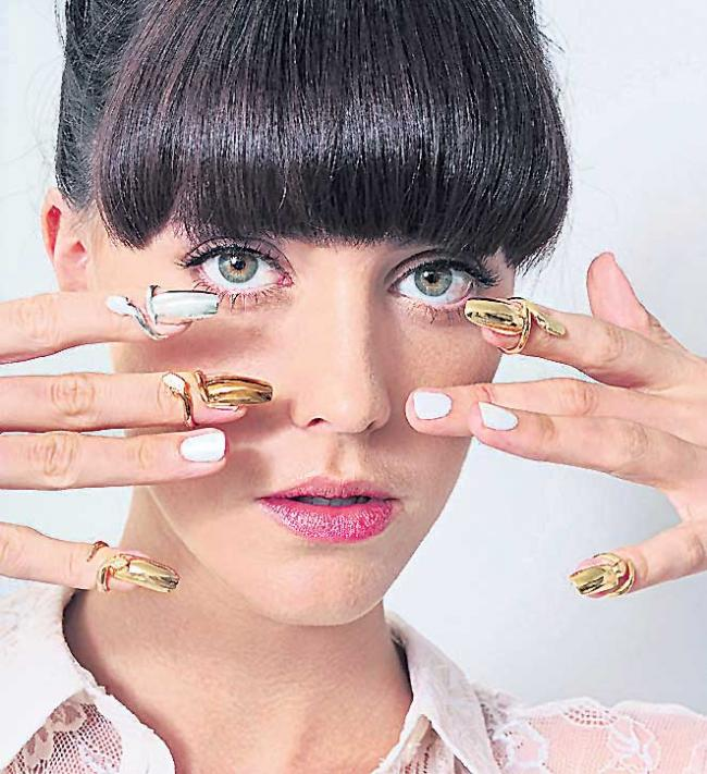 New fashion for nails - Sakshi